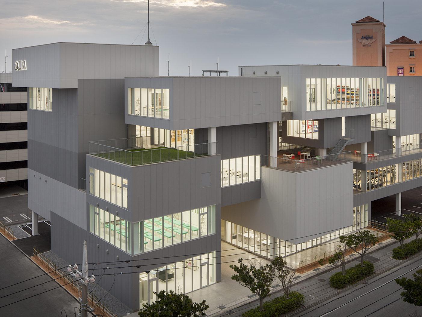 SOLA沖縄保健医療工学院